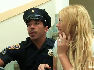 Blonde Tranny Jesse Seduces A Cop Named Lobo And Fucks Him